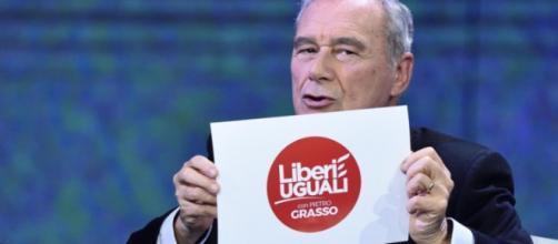 Pietro Grasso presenta il simbolo di Liberi e Uguali da Fabio Fazio, il Pd si infuria