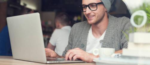 Saiba como e onde conseguir trabalhos como freelancer! - Blog da Alura - com.br