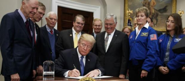 Trump Orders Revival of US Manned Space Exploration Program - voanews.com