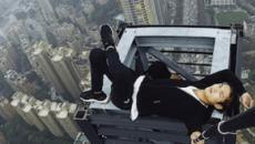 Youtuber filma a própria morte ao cair de altura de quase 200 metros; vídeo