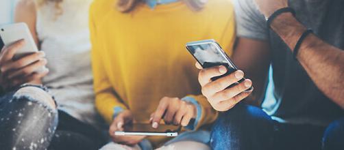 Insonnia nei ragazzi: l'uso eccessivo del cellulare e della tecnologia farebbe molto male