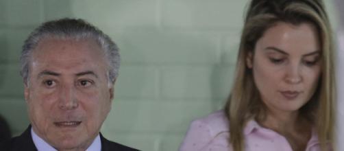 Michel Temer ao lado da sua esposa