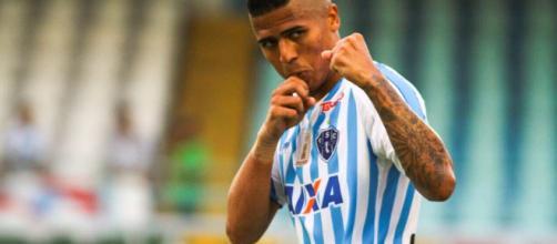 O jogador Bergson de 26 anos foi contratado pelo Atlético Paranaense