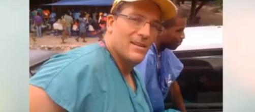 Trauma surgeon Dr. Dean Lorich. (Image from CELEBRITY NEWS/YouTube)