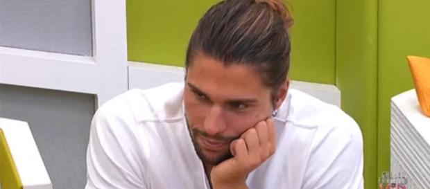 Luca chiarisce come stanno le cose con Ivana