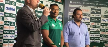 """Apresentado, Roger avisa: """"O Palmeiras sempre vai brigar por títulos"""". (Foto Reprodução)."""