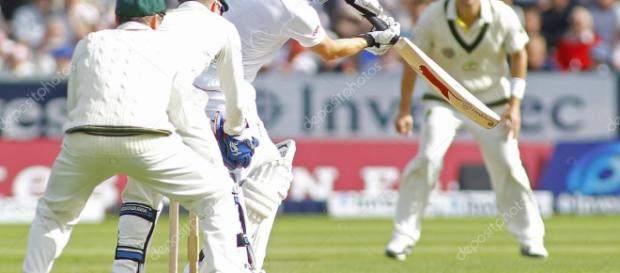 Cricket: 4 cenizas de Inglaterra v australia prueba día uno — Foto ... - depositphotos.com