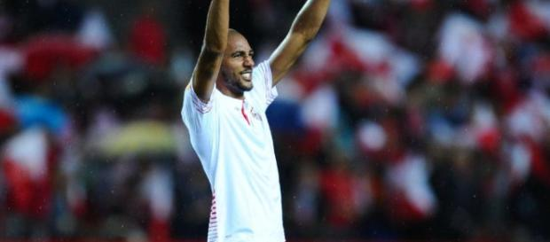 Arsenal are considering £35m bid for Sevilla midfielder Steven N'Zonzi - telegraph.co.uk