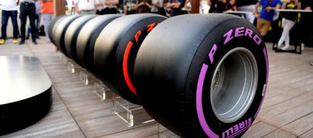 Pirelli show off full range of wider 2017 tyres - formula1.com