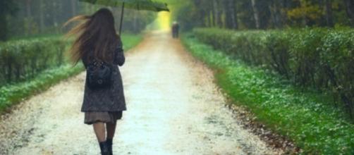 il vecchio ombrello è il rimedio più utile alle precipitazioni