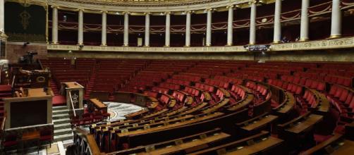Les députés reçoivent 1.200 Euros mensuels supplémentaires