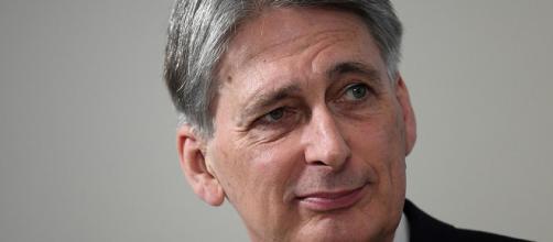 Philip Hammond accusa le persone con disabilità di danneggiare la produttività della Gran Bretagna
