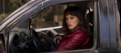 Quem viu a cena de Clara dirigindo na novela?