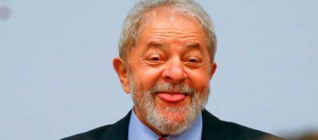 O dono da cobertura ao lado da moradia de Lula, nega recebimento de aluguel (crédito:internet)