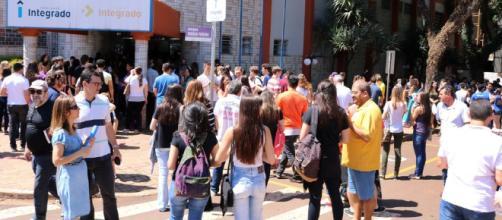 Depressão e problemas psicológicos fazem universitários trancar matrículas
