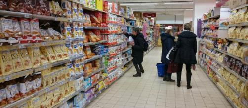 Licenziato dal supermercato per aver rubato poche caramelle: per ... - nanopress.it