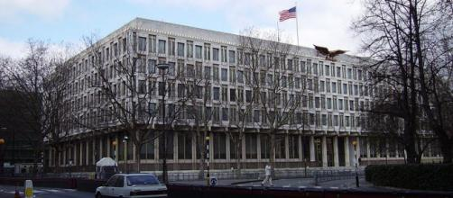 Old US Embassy in London (Image credit – Veedar, Wikimedia Commons)