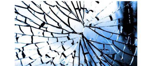 """superstições: quebrar espelho, """"quebra a alma"""""""