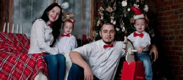 Imagens do casal com as crianças