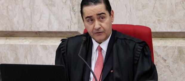 Presidente do TRF4, Carlos Eduardo Thompson Flores, dá resposta contundente à defesa de Lula. (Foto Reprodução).