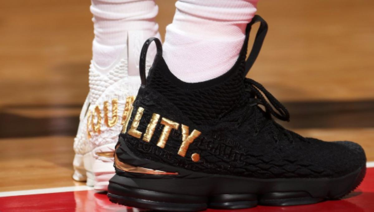 41c1d8f47568 LeBron James wore  equality  shoes in a dig at Trump