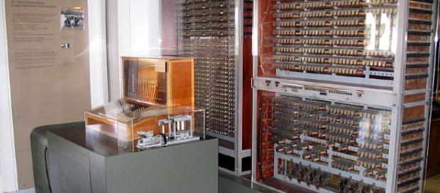 Vintage supercomputer. Image credit: by Venusianer via Wikimedia