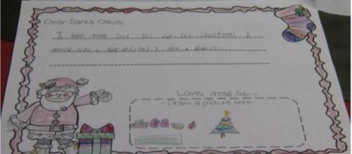 A student's letter to Santa at Monte Cristo Elementary School in Edinburg, Texas, Dec. 13, 2017. [Image via Rita Espiricueta/Facebook]