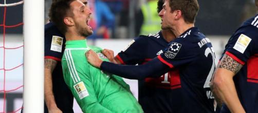 El portero salvó el juego frente al Stuttgart