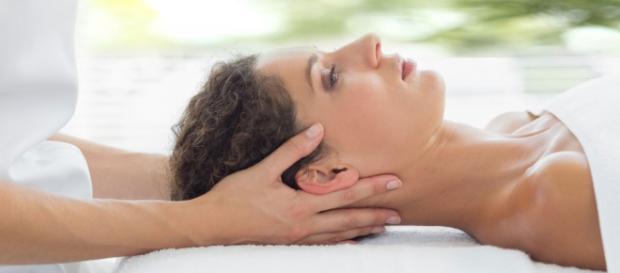 LNB Schmerztherapie Liebscher Bracht - Schmerzen behandeln lassen - z.B. Iris Casper, Schmerztherapie Norderstedt.