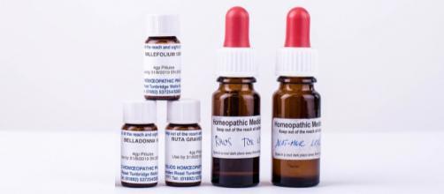Homeopathic Medicine [Image via of Eskimokettu/Pixabay]