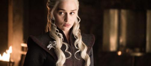 Prohíben a Emilia Clarke hablar sobre el final de Juego de Tronos