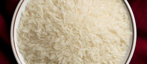 Rice water is one of those star ingredients that can be easily turned into a DIY. [Image credit: Takeaway | Commons Wikimedia]