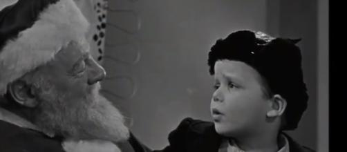 Screne from the original 'Miracle on 34th Street.' - [Nothing But Geek / YouTube screencap]