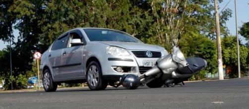 Trabalhador ficou afastado de suas atividades por conta de acidente de trânsito quando se dirigia ao trabalho