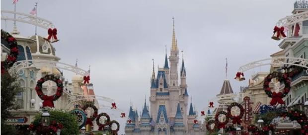 Christmas Decorations on Main Street, USA (Photo: YouTube/Inside the Magic)