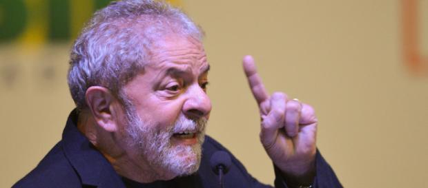 Lula lidera todas as pesquisas