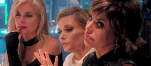 Lisa Rinna appears on 'RHOBH' season seven. [Photo via Bravo/YouTube]