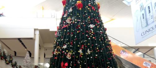 Mega Christmas Tree at a shopping mall in Nairobi, Kenya. By Nicholas Waigwa