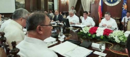 (NEDA) en el Palacio de Malacañang el 20 de febrero de 2017.