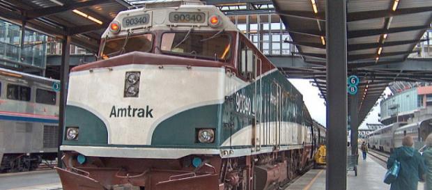 Amtrak Cascades train at King Street Station (Seattle) – (Image credit – Peterhuocean11, Wikimedia Commons)