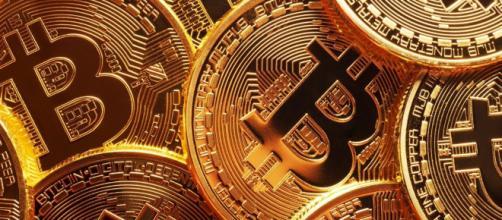 Descubra de uma vez por todas se vale a pena investir em Bitcoins ... - com.br