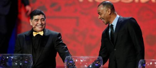 Maradona e Cafu estiveram entre os convidados para o sorteio da Copa 2018