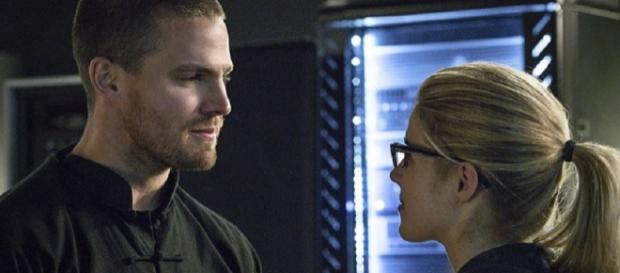 ARROW Review: 'My Name is Oliver Queen' and Yours Isn't (Image Credit: Nerdist/Youtube screenscap)