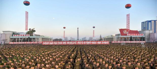 Coreia do norte promove uma grande festa por lançamento de míssil intercontinental