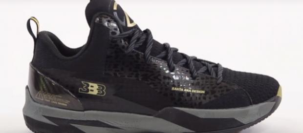 It appears that people who purchased a special edition of the ZO2s (Image Credit: Nightwing2303 via YouTube screencap)