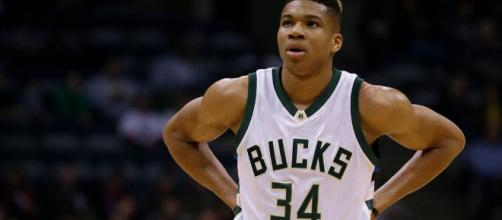 Bucks news: Giannis Antetokounmpo dominating points in the paint - clutchpoints.com