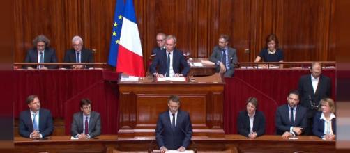 Emmanuel Macron veut réformer les institutions en un an | Euronews - euronews.com
