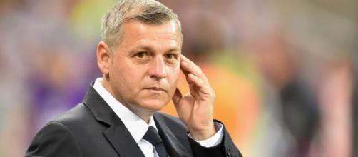 L'entraîneur lyonnais Bruno Genesio suspendu un match par la ... - eurosport.fr