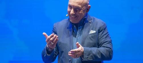 MAURIZIO BATTISTA dal 26 dicembre al Teatro Olimpico di Roma ... - flaminioboni.it