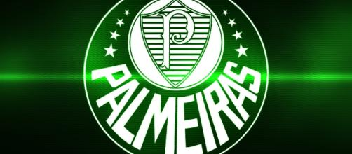 O Palmeiras segue agitando o mercado da bola e anuncia outro reforço.